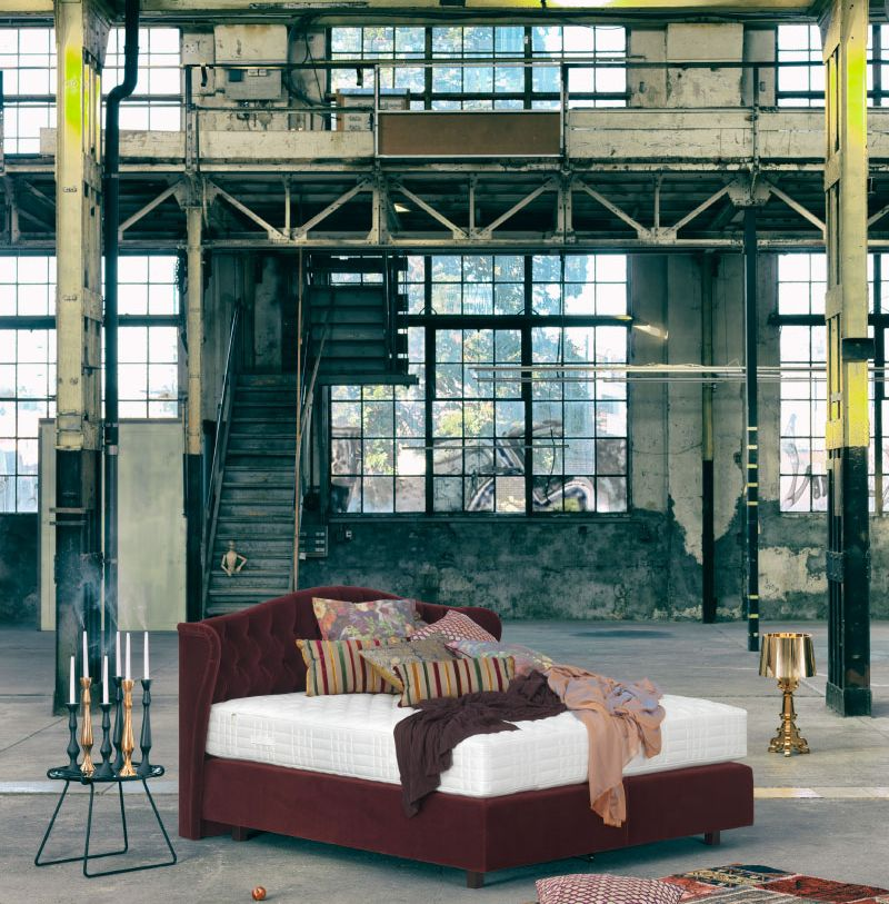 EOS Boxspring Bett in Lagerhalle - Philrouge